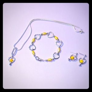 Jewelry - Nechlace bracelet and earring set